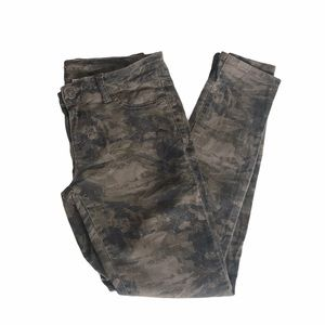 Maurices Camo Jeggings Green + Grey Size Medium